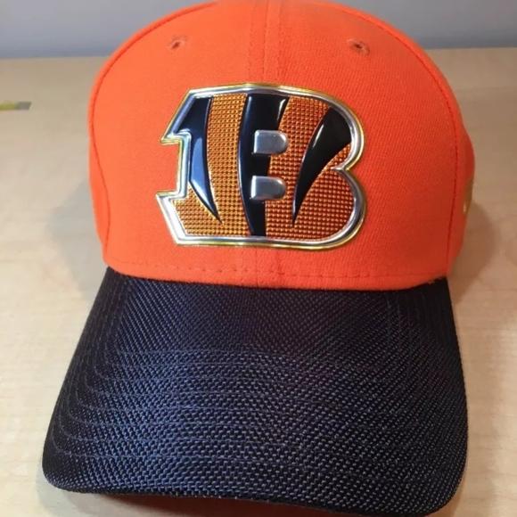 best website 522db 3fb01 New Era Cincinnati Bengals 3930 Baseball Hat. M 5b200934fe5151c2217415f5